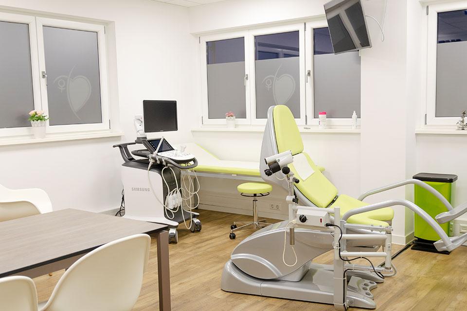 frauenarzt, gynaekologie-achern behandlungszimmer